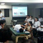 東京在宅サービスの社内勉強会 井上PTによる肩関節周囲炎リハビリテーション_実践4
