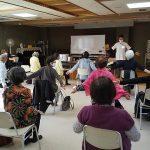 肩こり予防運動2_中野区生活機能プログラム_肩こり予防口座@やよいの園2011162